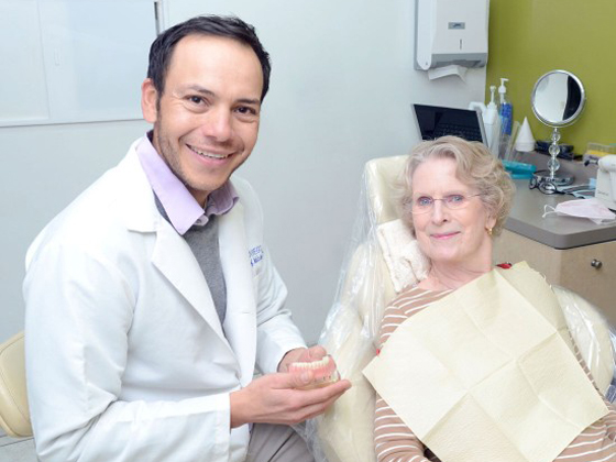 best implant specialist in Nogales border