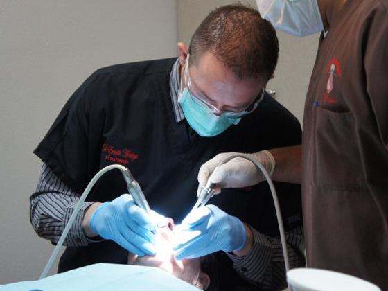 Prosthodontist in Los Algodones