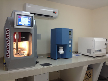 CAD CAM machine in Algodones used to make Zirconia Crowns