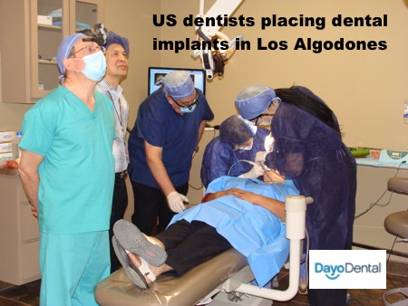 US dentists trianing in Los Algodones, Mexico for Live dental implant surgery